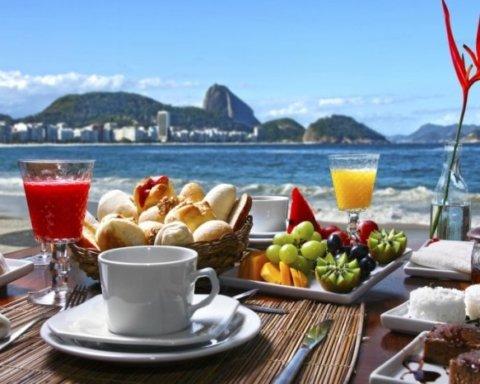 Как не растолстеть в отпуске: действенные лайфхаки