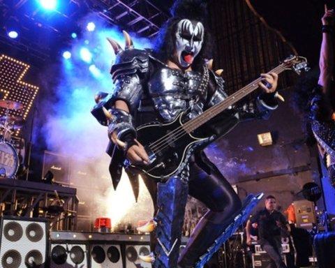 Зірок українського шоу-бізнесу помітили на концерті легендарних Kiss