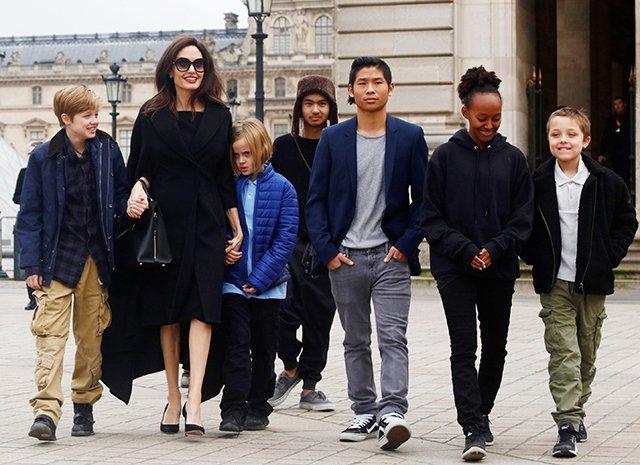 Колишня няня розповіла про розпещених дітей Джолі