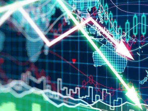 Начинается: МВФ предупреждает о спаде ВВП
