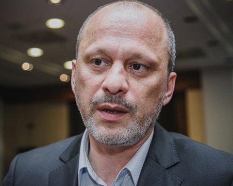 Суд запретил увольнять главу НОТУ Аласанию