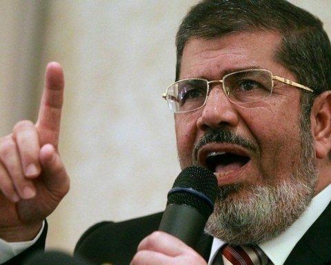 Екс-президент Єгипту Мохаммед Мурсі помер у залі суду