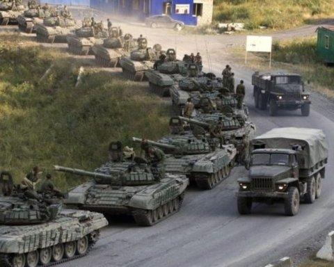 Россия стянула военную технику на границу с Украиной: все попало на видео