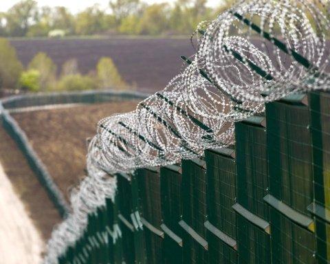 Будівництво стіни Яценюка проінспектували з повітря: що відомо