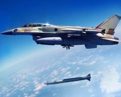 Експерти: російські С-300 не приносять користі проти ВПС Ізраїлю