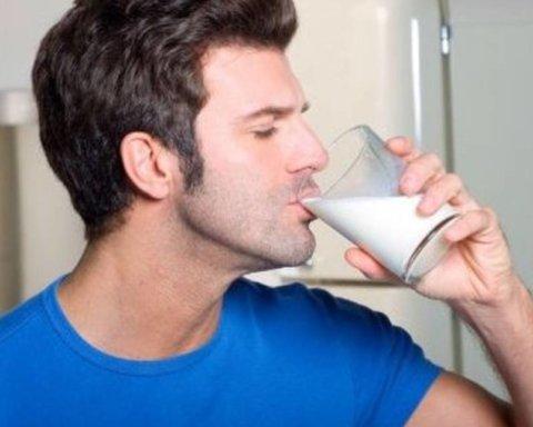 Дієтологи порадили, чим краще запивати гостру їжу