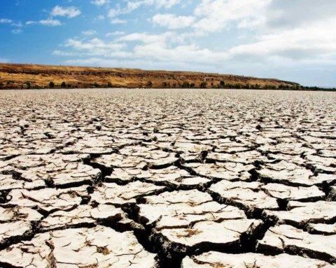 Крым погибает от засухи: сеть поразили фото
