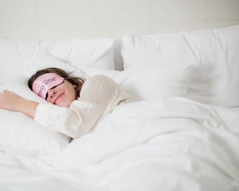 Врачи рассказали, на что нужно обращать внимание ради здорового сна