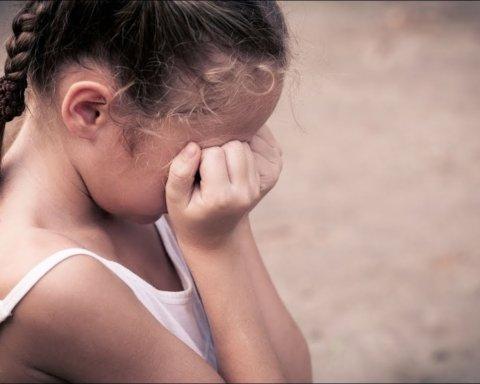 В Черкасской области пытались изнасиловать маленькую девочку: подробности жуткого ЧП
