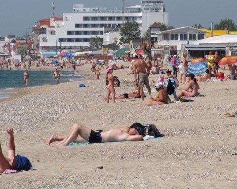 Жара до +37: синоптик рассказал, когда в Украине идеальное время для отдыха на море