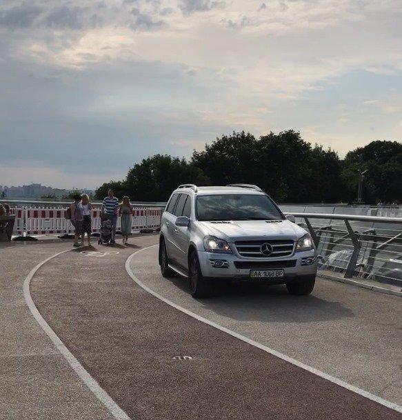 Тепер зрозуміло: знайдено причину руйнування скандального мосту в Києві