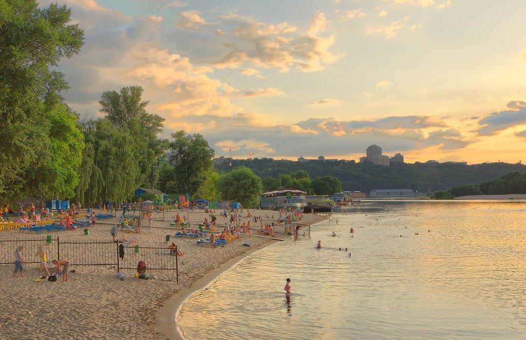Де на київських пляжах можна купатися: з'явився свіжий аналіз води