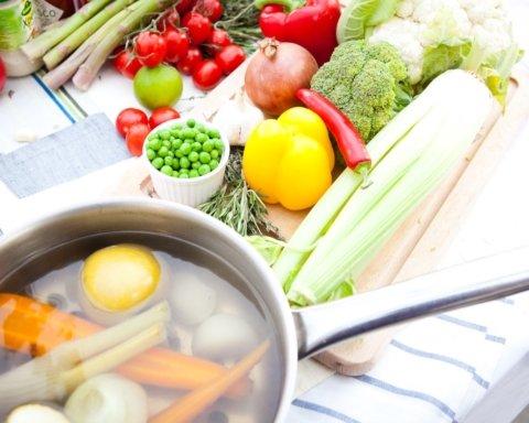 Дієтологи розповіли, яка дієта допоможе відновити підшлункову