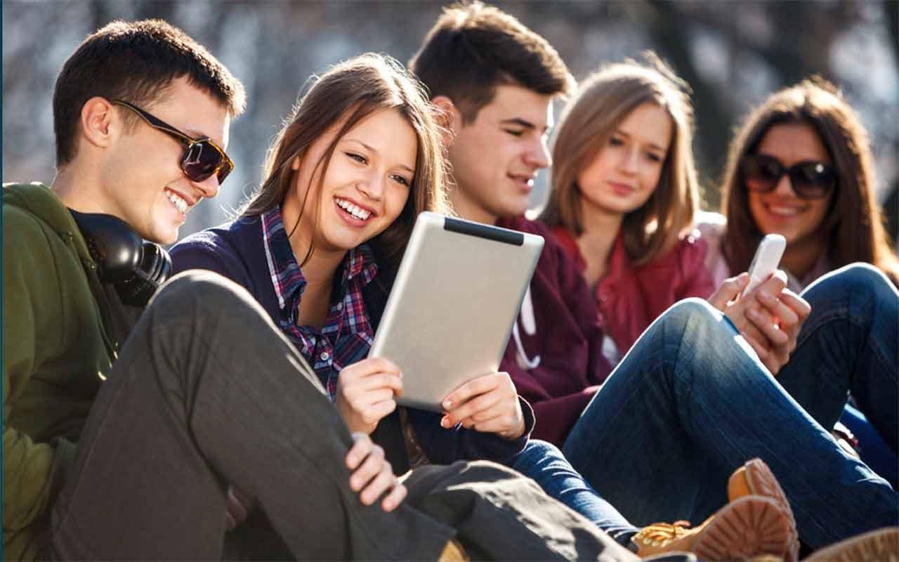 День молоді: як краще привітати зі святом