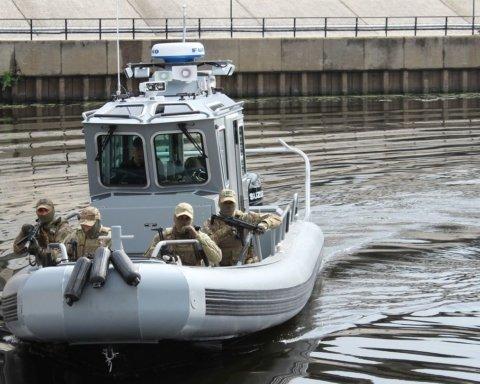 Американцы показали украинским морякам, как пользоваться катерами