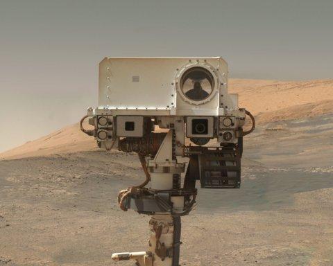 Марс продолжает поражать: Curiosity сделал важное открытие