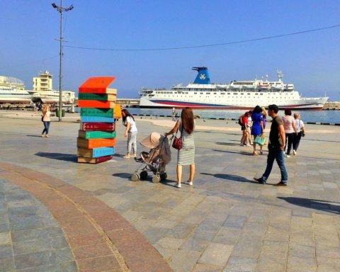 Опять несезон: ситуацию с туристами в Крыму показали на фото