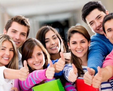 День молодежи: как лучше поздравить с праздником