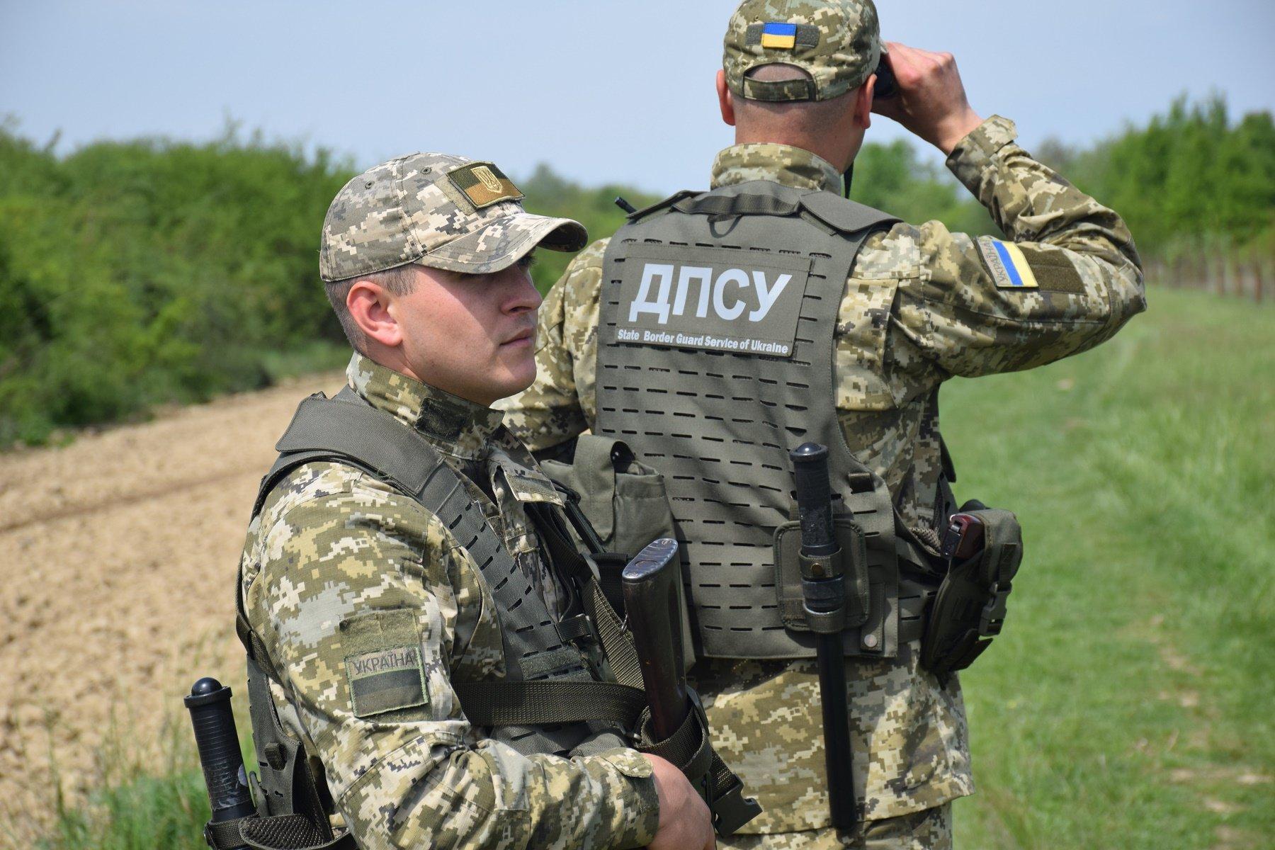 """На українському кордоні затримали росіянина, який їхав воювати за """"ЛНР"""""""