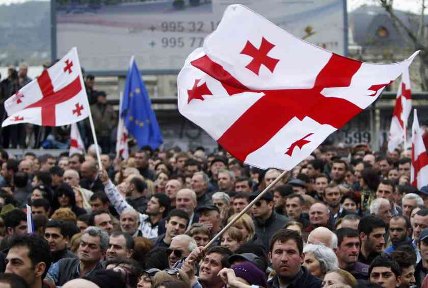 Протести у Тбілісі: через дії силовиків госпіталізували десятки людей