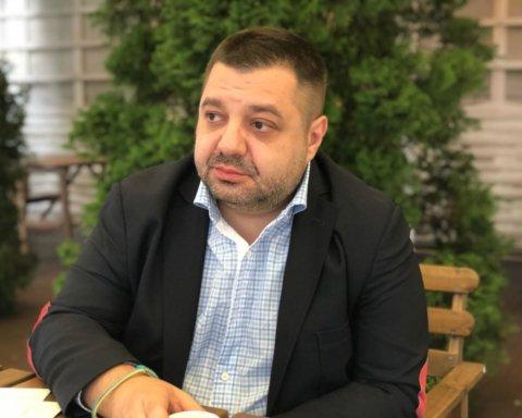 """У кращих традиціях мажоритарників: Грановський роздає подарунки з """"глодом"""" для своїх виборців"""