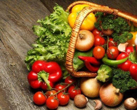 Лікарі розповіли, якими продуктами слід запастись на осінь