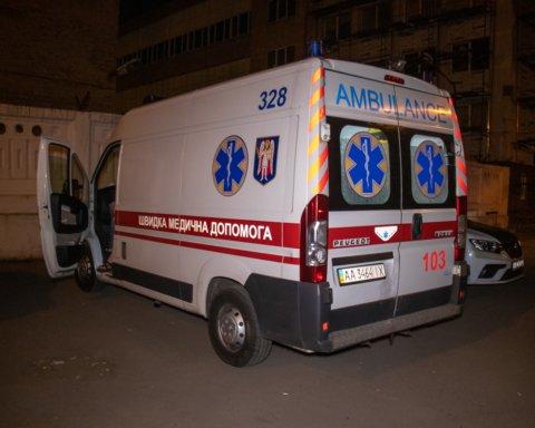 Чоловік намагався зістрибнути з будмайданчику через зарплату: подробиці НП в Києві