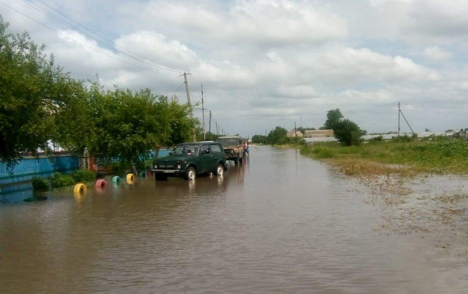 Наслідки негоди: в Україні затопило сотні будинків