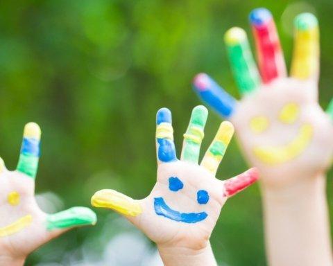 День захисту дітей: яскраві листівки і привітання у віршах і прозі