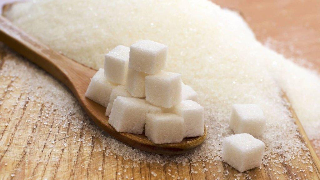Это лучше не употреблять: какие напитки содержат слишком много сахара