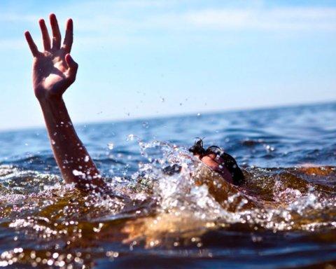 Названы основные причины высокой смертности украинцев на воде