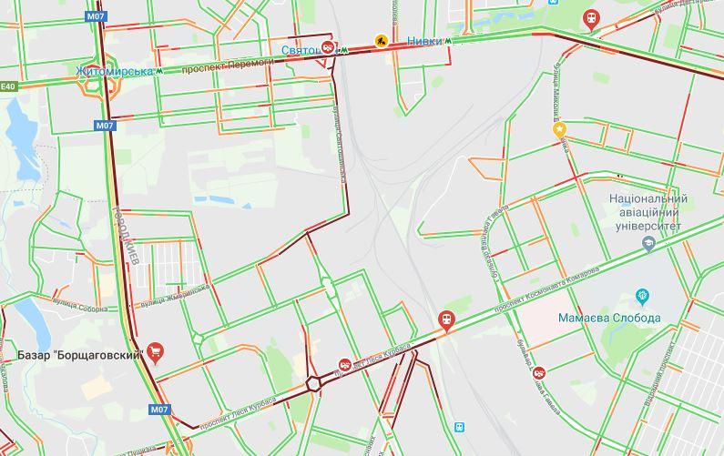 Київ застряг у заторах через ремонт однієї з головних артерій
