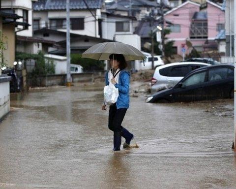 Японцам посоветовали массово эвакуироваться из-за непогоды: первые подробности