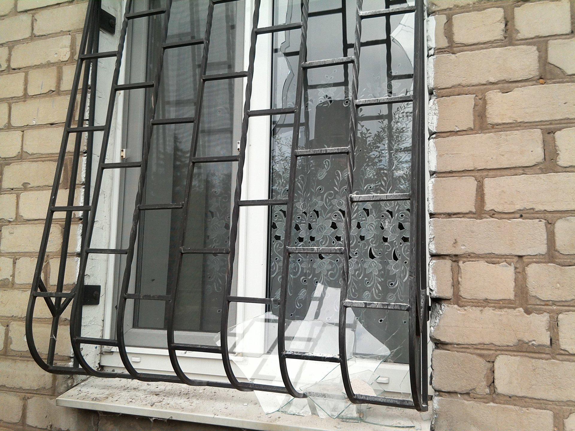 Боевики «ДНР» обстреляли дома мирных жителей Марьинки