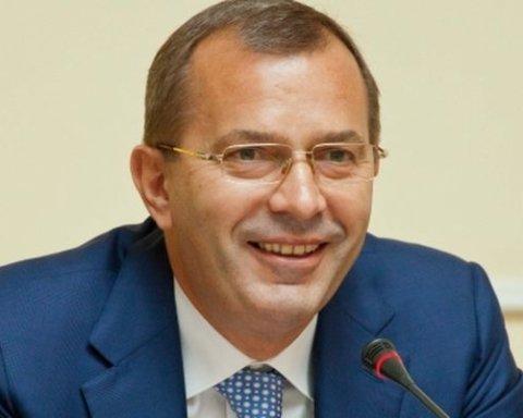 Чиновнику времен Януковича разрешили баллотироваться в Раду: что случилось