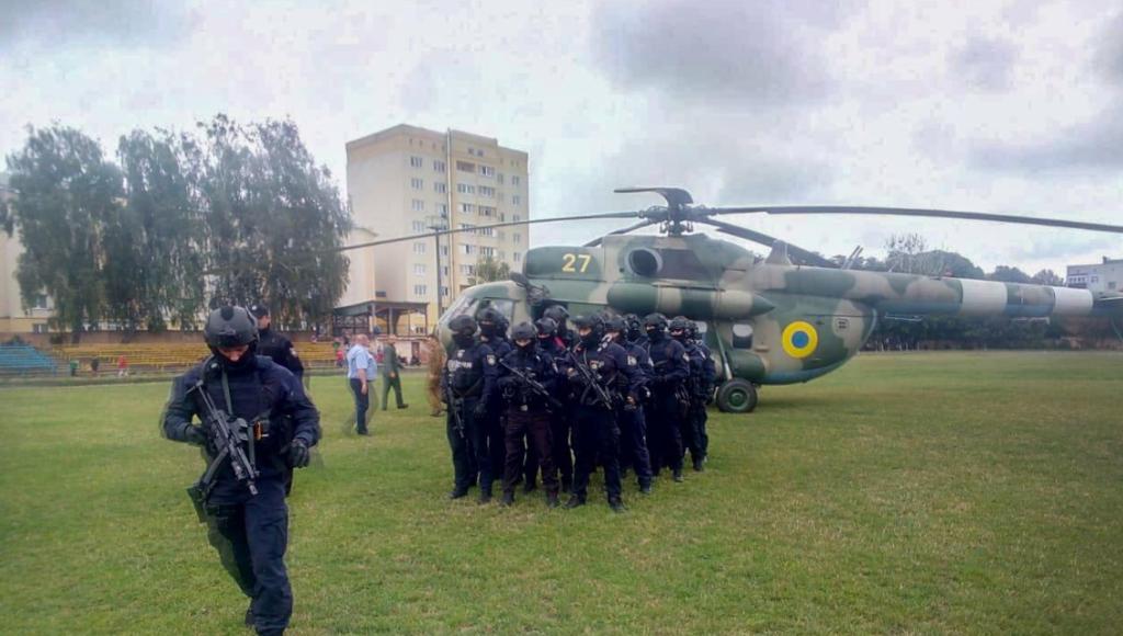 На округ, где проигрывает Пашинский, прилетел вертолет со спецназовцами