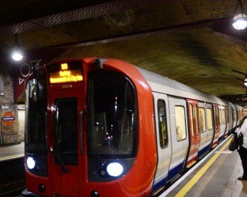 Постраждали люди: у лондонській підземці розпилили газ