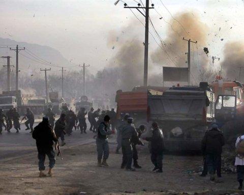 Очередной взрыв в Афганистане: десятки погибших и раненых