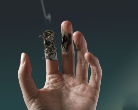 Украинский курильщикам подготовили неприятный сюрприз: что известно