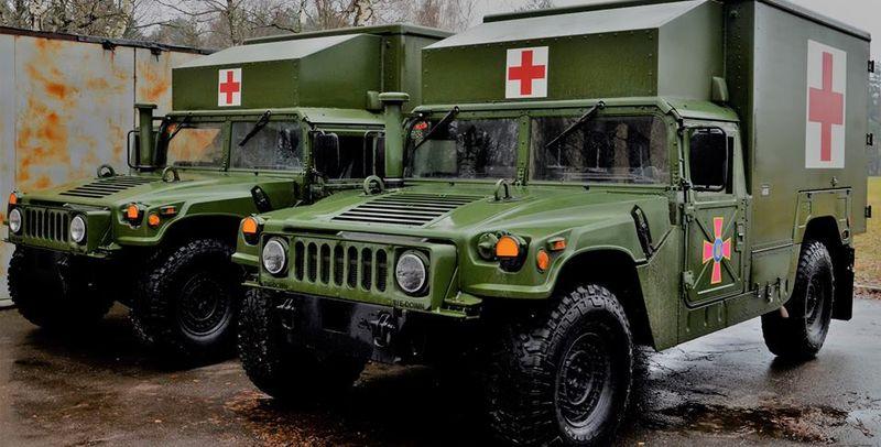 Боевики взорвали санитарный автомобиль ООС с ранеными: есть жертвы