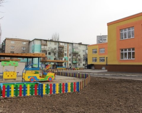Скандал у дитсадку Мелітополя: вихователі навіть не викликали лікаря дитині з переломом
