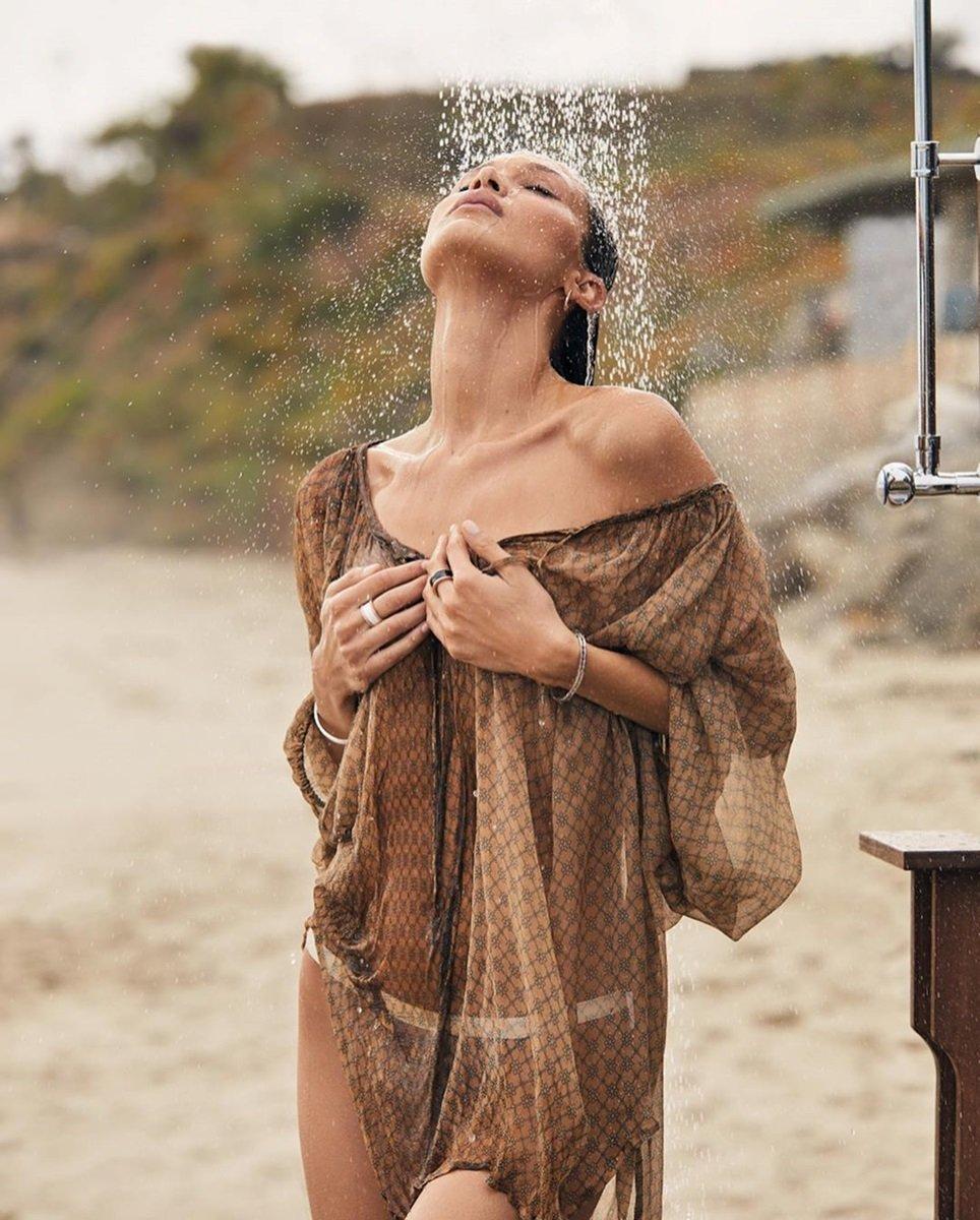 Ангел Victoria's Secret знялася для модного глянцю: спокусливі фото