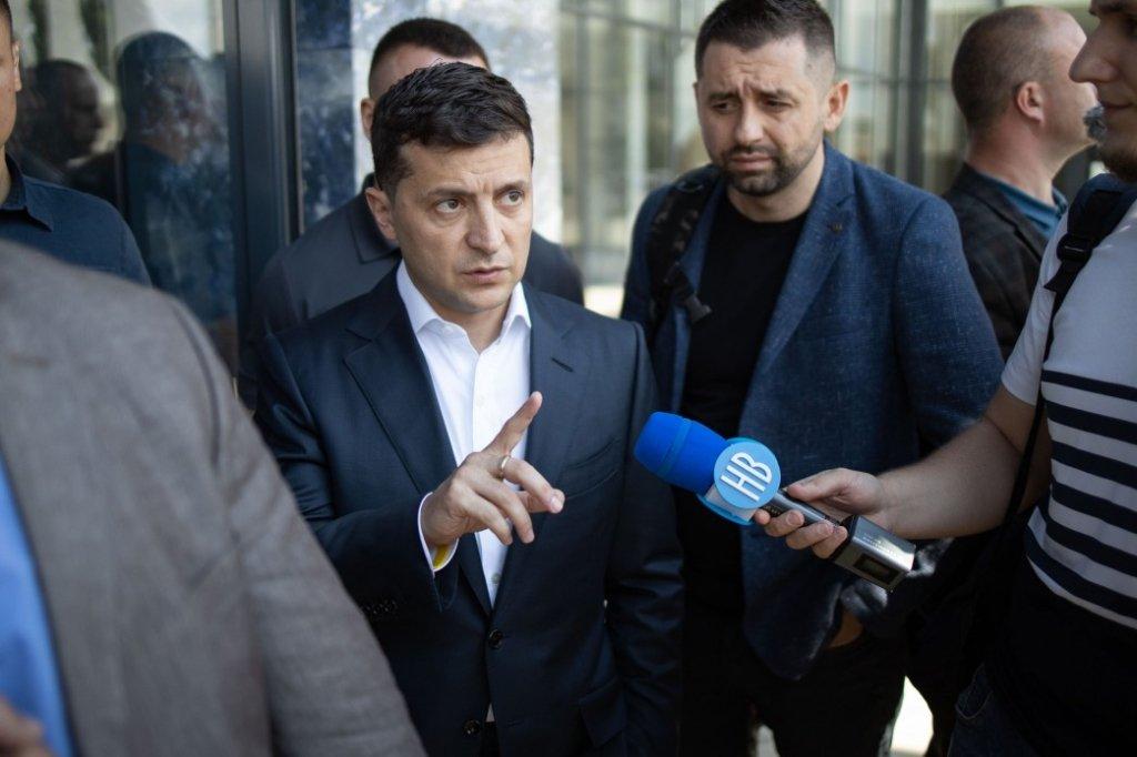 Зеленський запропонував звільнитися іще одному голові ОДА: подробиці конфлікту