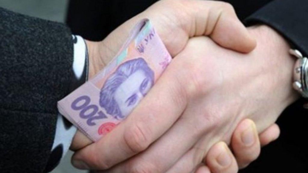 Европарламент осудил отсутствие прогресса в борьбе с олигархией в Украине