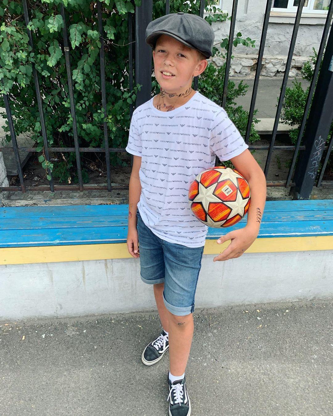 Андреас в кепці. Потап показав стильного сина