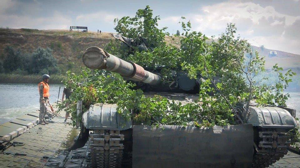 Терористи на Донбасі двічі обстріляли ЗСУ за добу