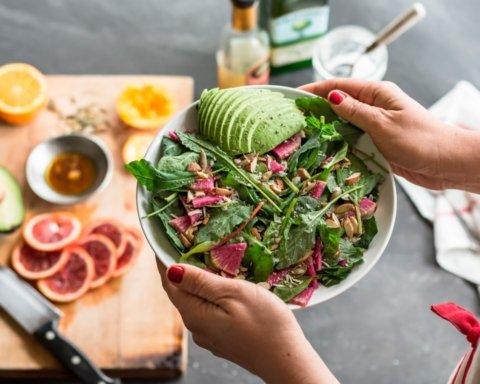 Дієтологи розповіли про смачні замінники шкідливим стравам