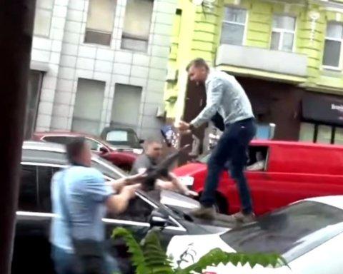 Напавший на Порошенко возле ГБР объяснил, зачем он это сделал