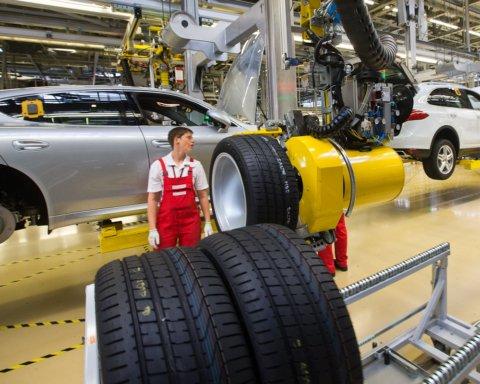 Элитный концерн отзывает тысячи автомобилей в Украине: что случилось с Porsche