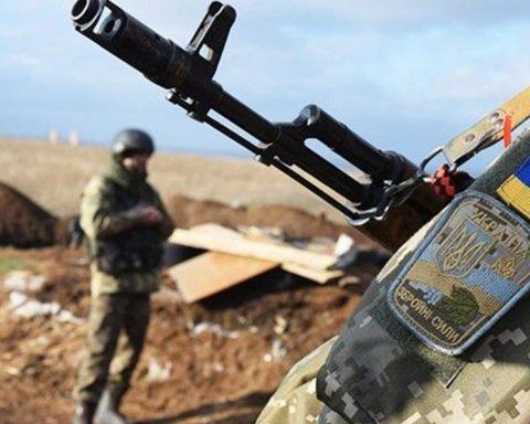 Сутки в ООС: погиб один украинский военный, двое ранены